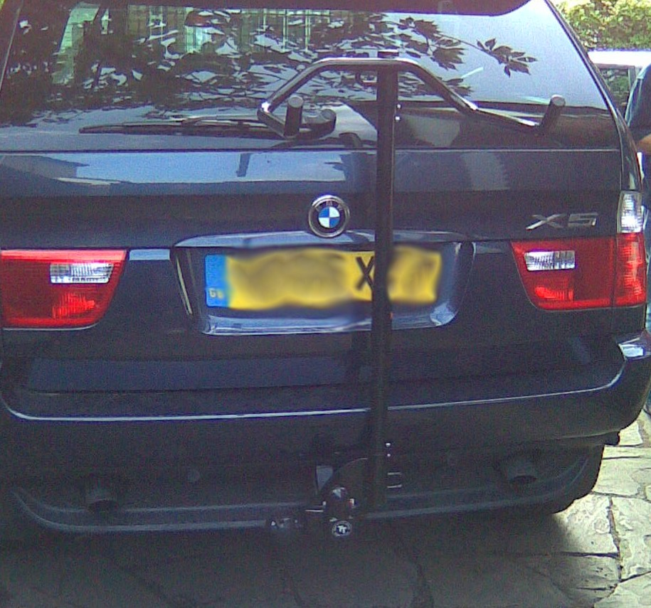 bmwx5withcyclecarrier.jpg